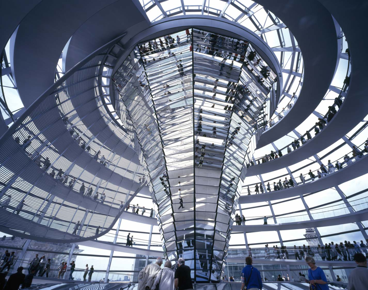 Reichstag's Building | Fster + Partners | Berlin | Glass Industry | IGS Magazine