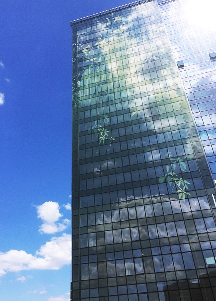 Dip-tech | Green City | Belarus | Press Glass | IGS Mag | glass facade detail