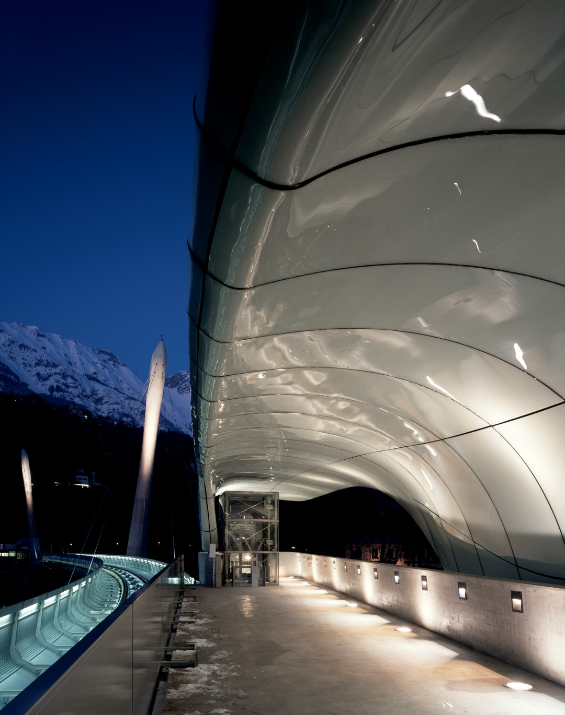 Lowenhaus Station   Zaha Hadid Architects