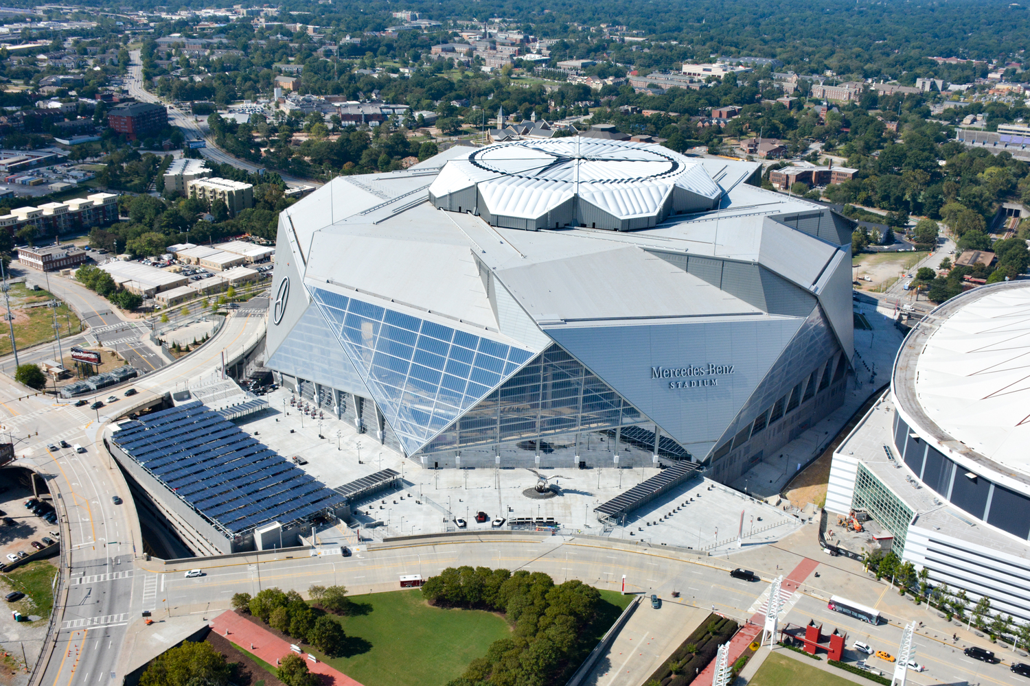 Atlanta S Mercedes Benz Stadium Retractable Aperture