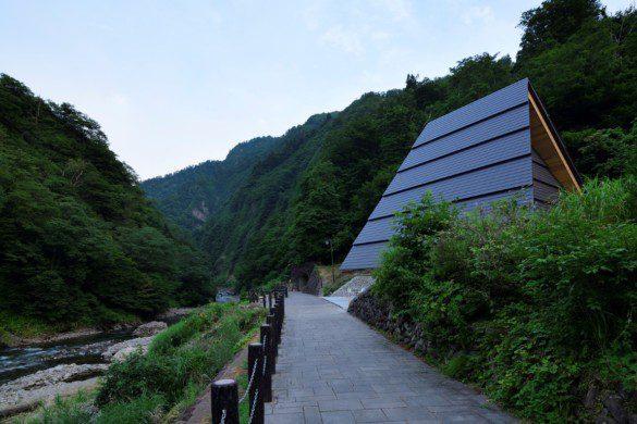 02_MAD_Echigo_Tsumari_Tunnel_of_Light_Periscope_by_Nacasa___Partners_Inc._low-res