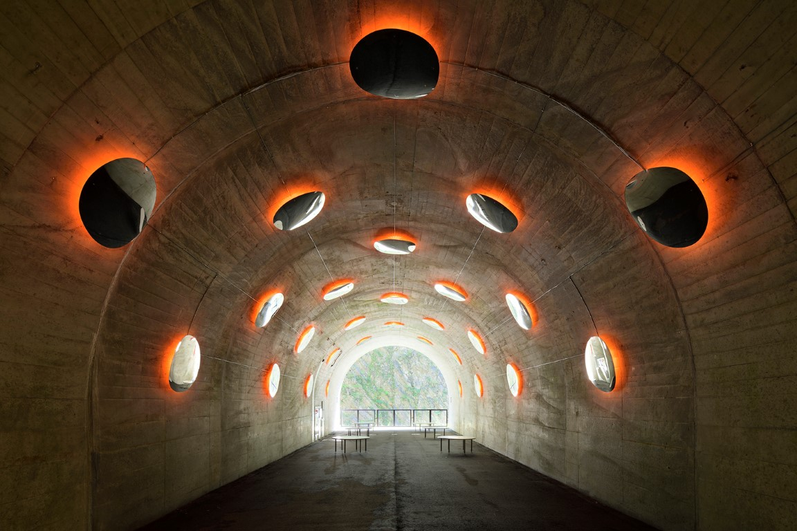 14_MAD_Echigo_Tsumari_Tunnel_of_Light_the_drop_by_Nacasa___Partners_Inc.