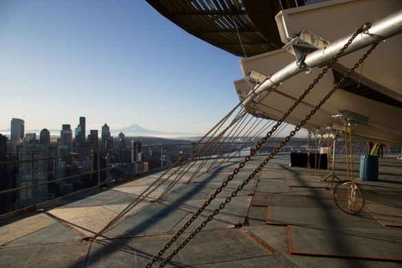 Elevated work platform without scrim. Photo credit Space Needle LLC