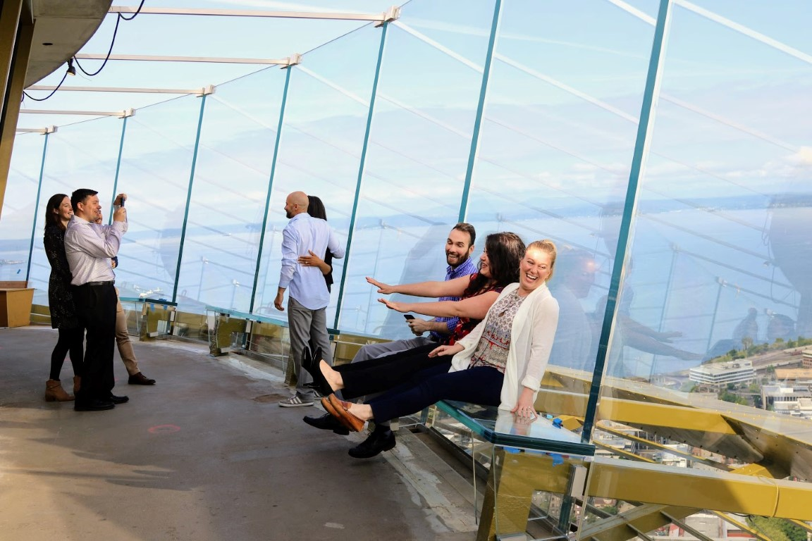 Seattle S Renovated Space Needle Debuts Dramatic 360