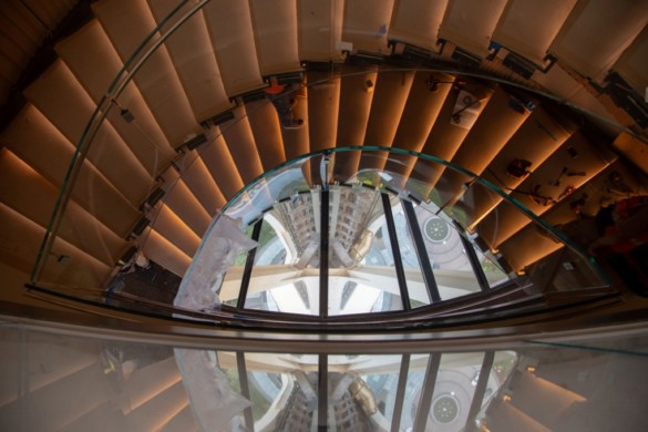 """Seattle's Renovated Space Needle Debuts Dramatic 360-Degree """"Spacelift"""" and the World's First Revolving Glass Floor"""