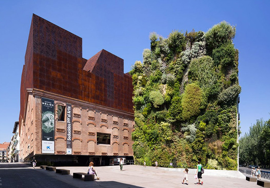 Green Walls - How Technology Brings Nature Into Architecture - IGS Magazine - opinion - 3