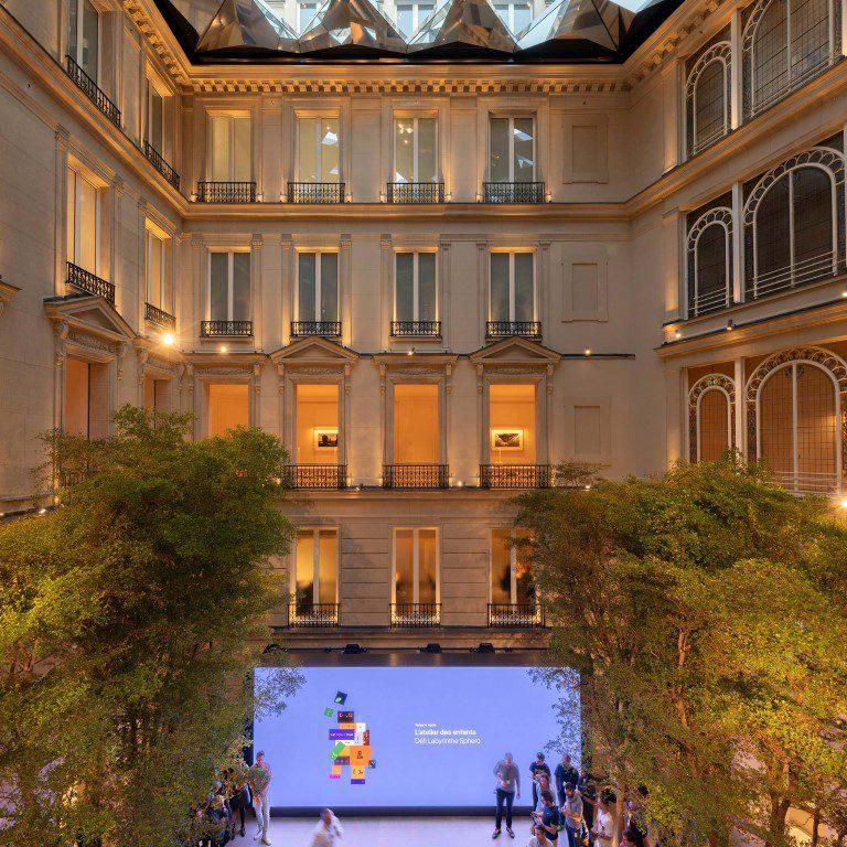 Apple Champs-Élysées pays tribute to Paris' rich history - igs magazine - news - 3