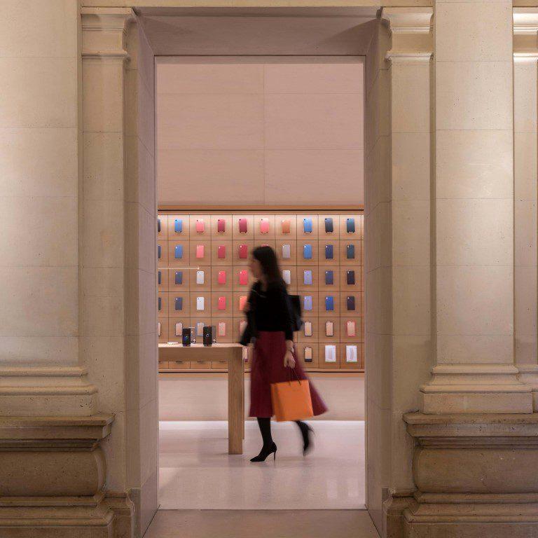 Apple Champs-Élysées pays tribute to Paris' rich history - igs magazine - news - 4