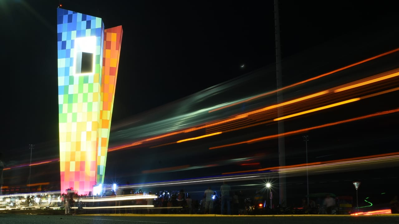 Multi-Colored Monument Clearly Reflects Local Culture and Industry - IGS Magazine -architecture - 2