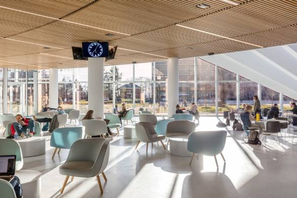 08_BIG_ISOM_UMass-Isenberg_Business-Innovation-Hub_Image-by-Max-Touhey
