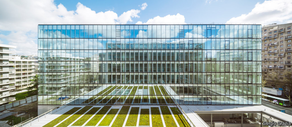 Double skin facades_selecting the right combination of glass to optimise their benefits_3