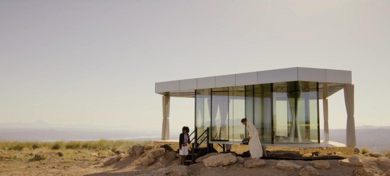 """La casa del desierto en Black Mirror"". Photo Guardian Glass. All rights reserved."