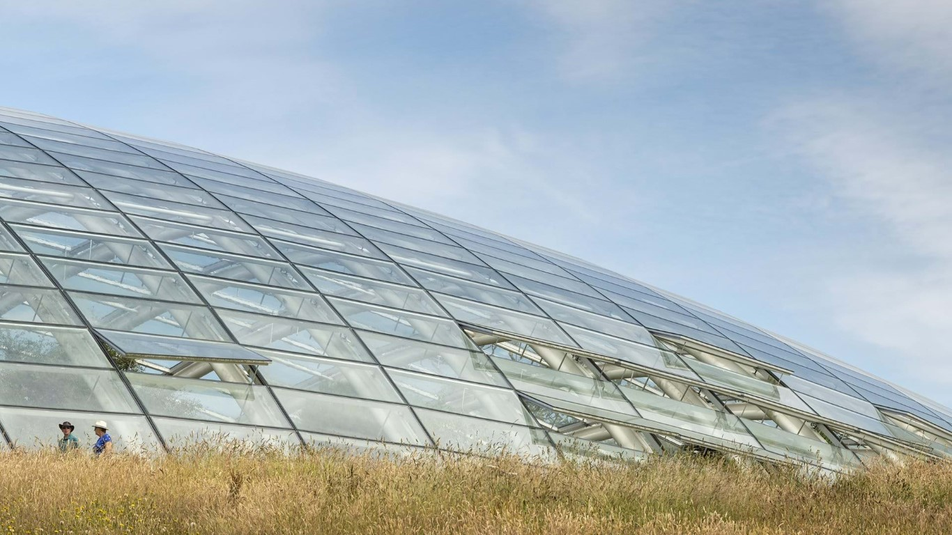 Great Glass house_Foster and partners_IGS Magazine_3