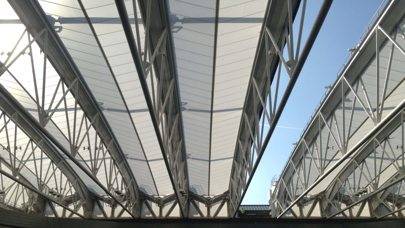 Seele Provides Retractable Membrane Roof Over The No 1