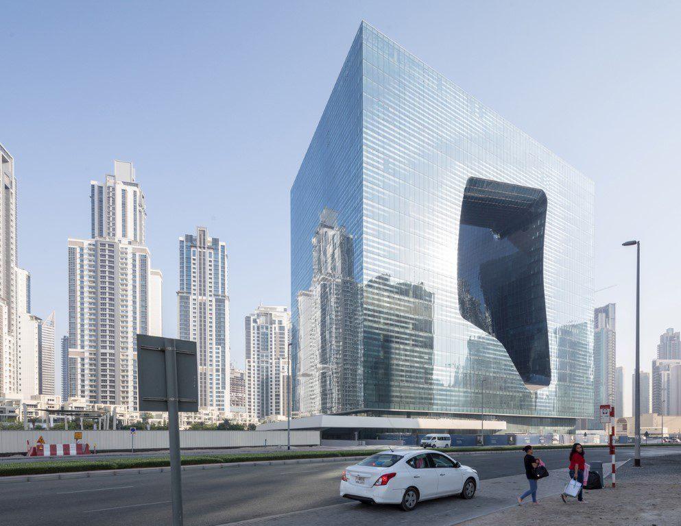 01_ZHA_Opus_Dubai_photo_laurianghinitoiu
