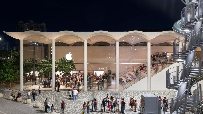 Apple Aventura Creates a New Social Focus for Miami_8