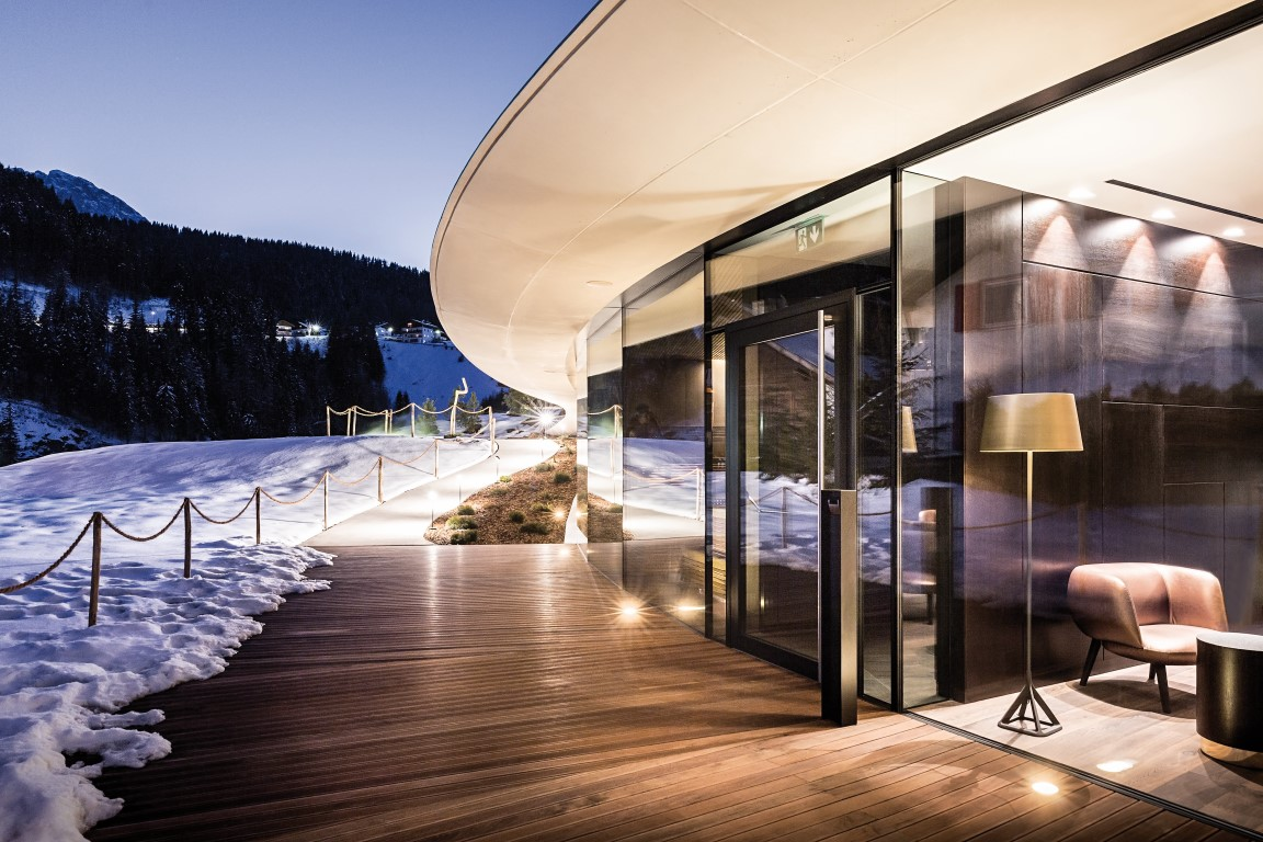 WICONA Façades at the Alpenroyal Grand Hotel_3