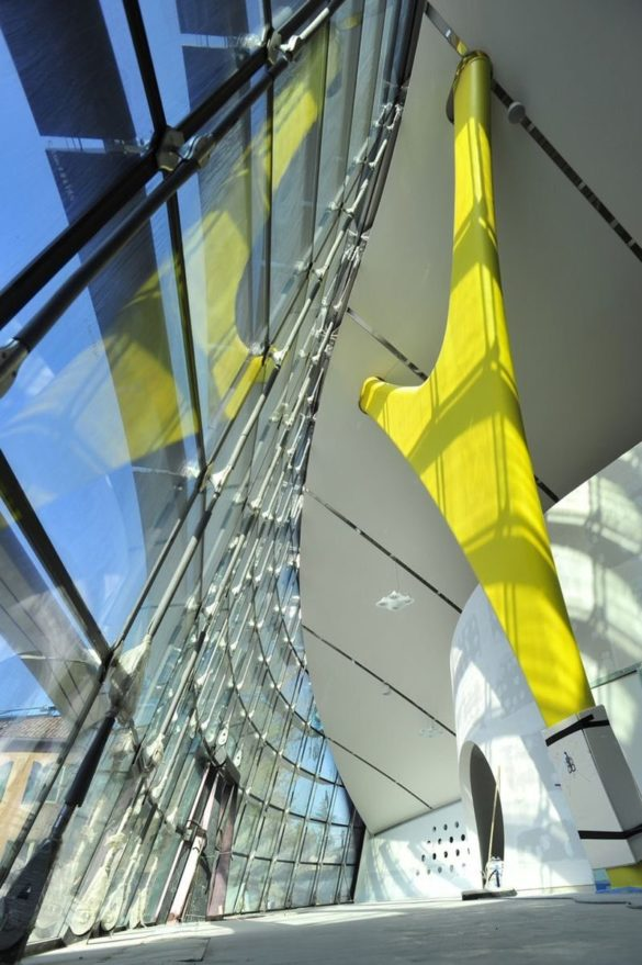 Enzo Ferrari Museum   Modena   Interior of glass facade   Complex geometry   IGS Mag   Structural Engineering   Support Beams