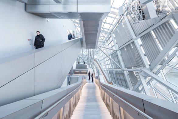 Musée des Confluences | Lyon | France | Gartner | Wolf D. Prix | Facade architecture | Intelligent glass solutions | walk-way