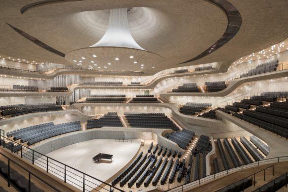 elbphilharmonie | Concert Hall | Hamburg | ipachrome design | AGC Interpane | Exterior View | Intelligent Glass Solutions | designed by Herzog & de Meuron