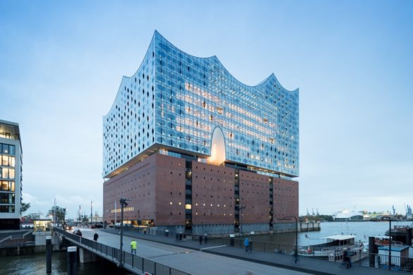 elbphilharmonie | Droplet Coating | Hamburg | ipachrome design | AGC Interpane | Exterior View | Intelligent Glass Solutions | designed by Herzog & de Meuron