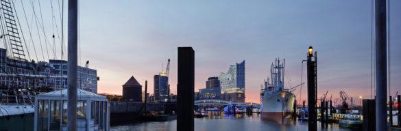 elbphilharmonie | Maxim Schulz | Hamburg | ipachrome design | AGC Interpane | Exterior of the elbphilharmonie | View from Harbour | designed by Herzog & de Meuron