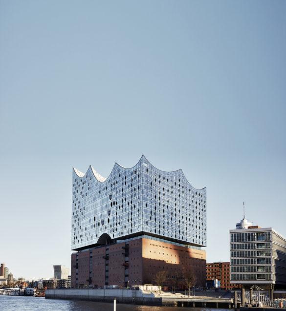 elbphilharmonie | Reflective Glass Facade | Hamburg | ipachrome design | AGC Interpane | Maxim Schulz | designed by Herzog & de Meuron