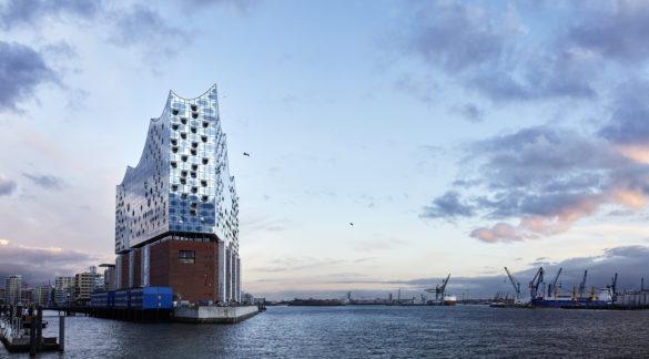 elbphilharmonie | Maxim Schulz | Hamburg | ipachrome design | AGC Interpane | Exterior of the elbphilharmonie | IGS Mag | designed by Herzog & de Meuron