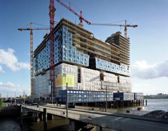 elbphilharmonie | Construction | Hamburg | ipachrome design | AGC Interpane | Glass Engineering | IGS Mag | designed by Herzog & de Meuron