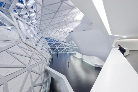 guangzhou opera house | Zaha Hadid Architects | IGS Mag | photography | Iwan Baan | Balcony