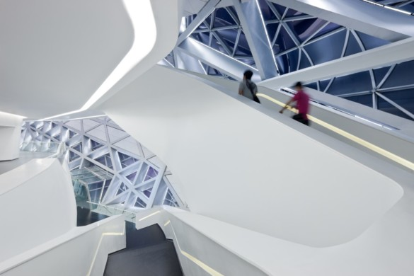 guangzhou opera house | Zaha Hadid Architects | IGS Mag | photography | Iwan Baan | staircase
