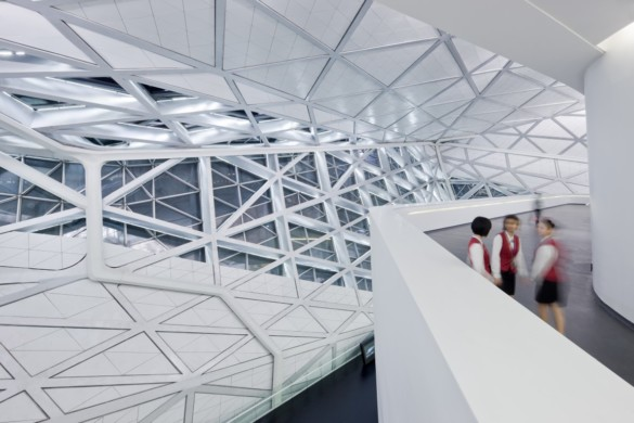 guangzhou opera house | Zaha Hadid Architects | IGS Mag | photography | Iwan Baan | Glass | Magazine