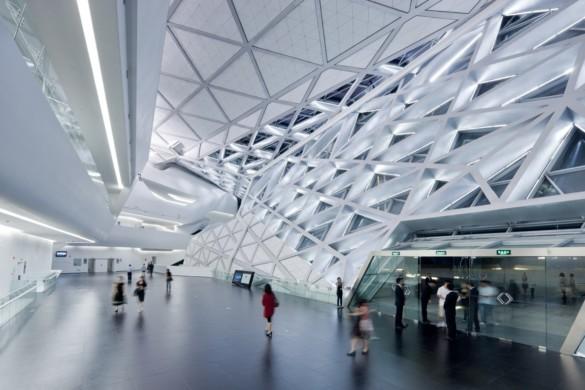 guangzhou opera house | Zaha Hadid Architects | IGS Mag | photography | Iwan Baan | Glass Facade Interior | Engineering