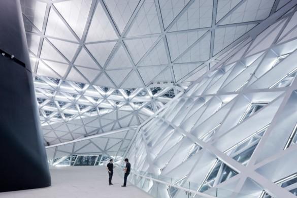 guangzhou opera house | Zaha Hadid Architects | IGS Mag | photography | Iwan Baan | Glass Facade Interior | Design