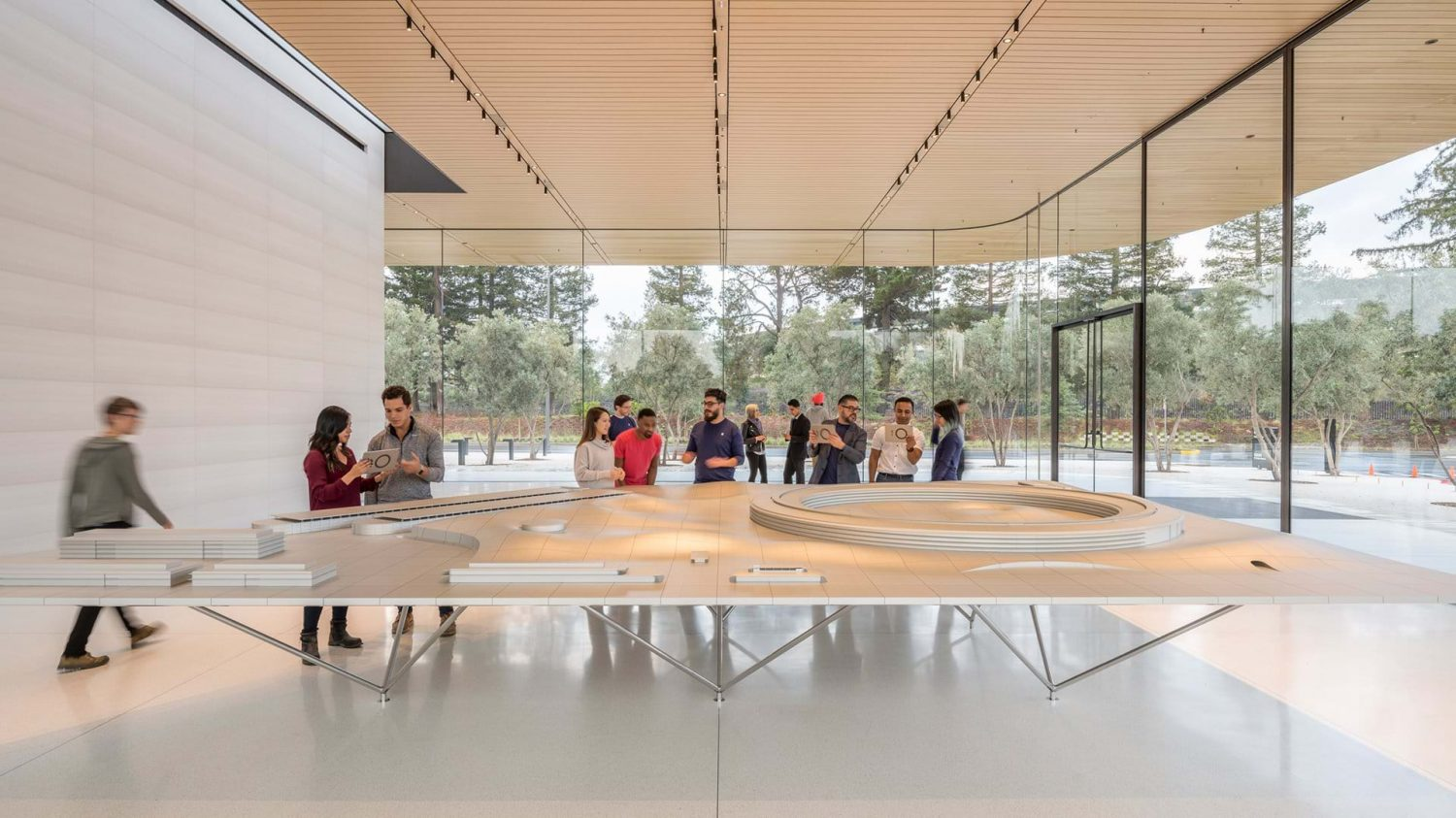 apple park | Foster + Partners | IGS Mag | interior | Glass facade | Architecture