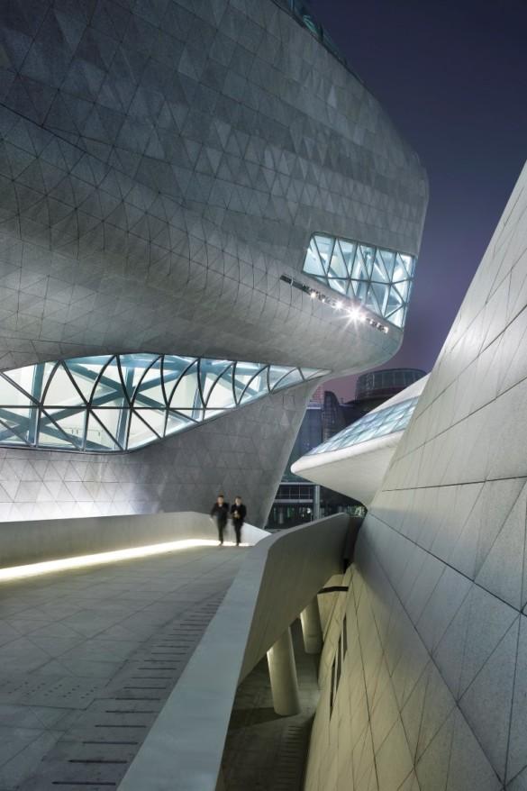 guangzhou opera house | Zaha Hadid Architects | IGS Mag | photography | Hufton and Crow | Exterior | photography