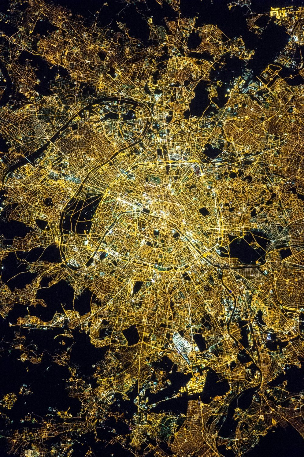 Paris at night | NASA | IGS Mag