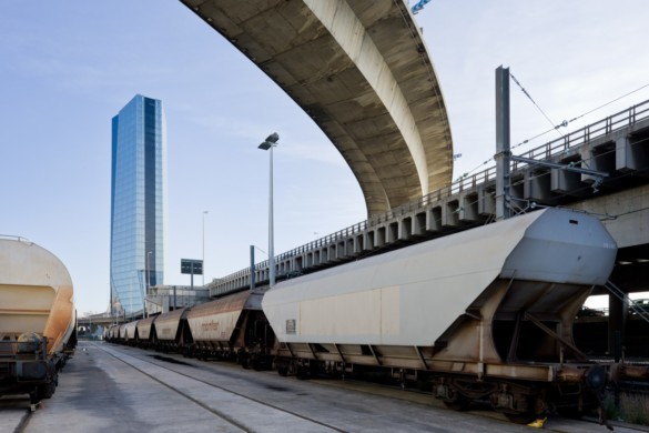 CMA CGM Tower | France | Photography | IGS Mag | Architectural photography | Bridge