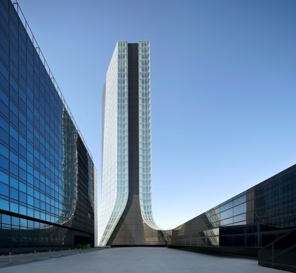 CMA CGM Tower | France | Photography | IGS Mag | Facade from far