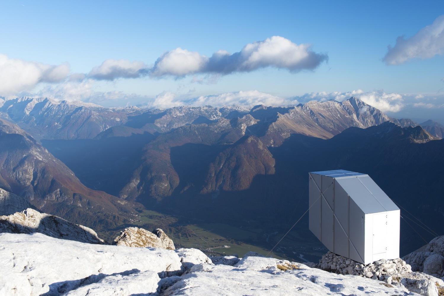 Winter Cabin on Mount Kanin-OFIS arhitekti-IGS Magazine