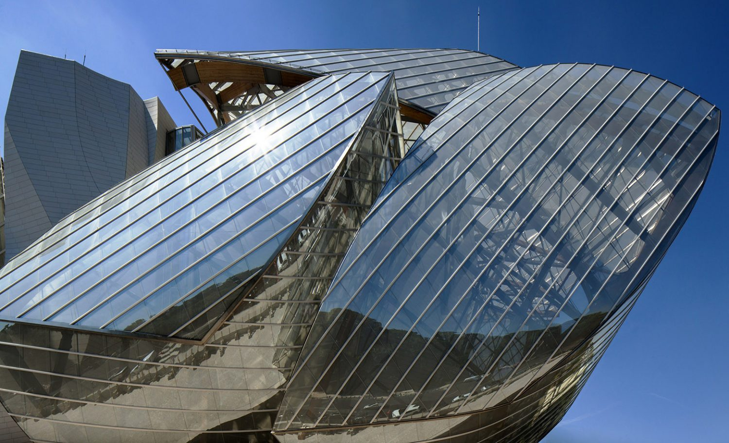 Fondation Louis Vuitton - Gehry Partners - Top 5 - IGS Magazine - Glass - 4