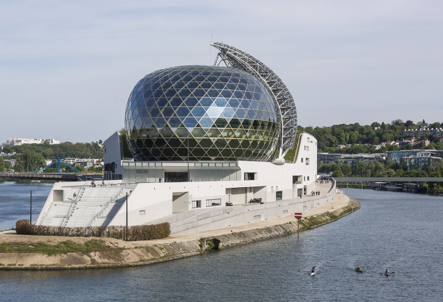 Shigeru-Ban-and-Jean-de-Gastines-Solar-Powered-Seine-Musicale-IGS-Magazine-7