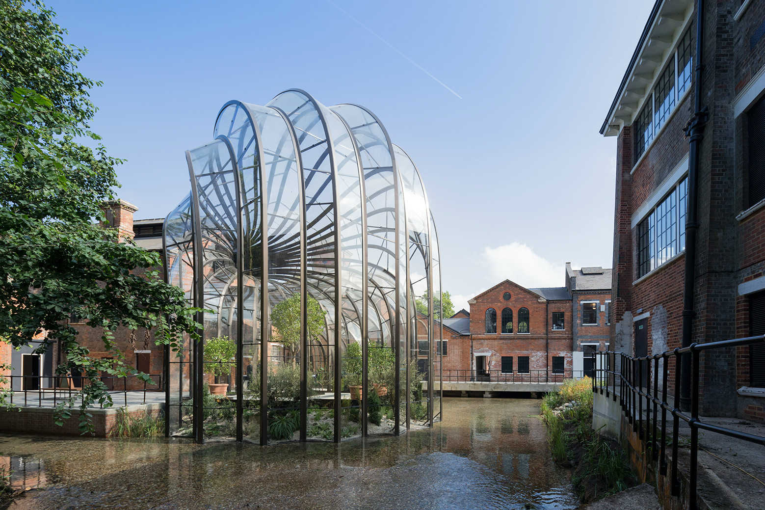 IGS Magazine-Bombay-Sapphire-Distillery-Heatherwick-Studio-Architecture-projects-1