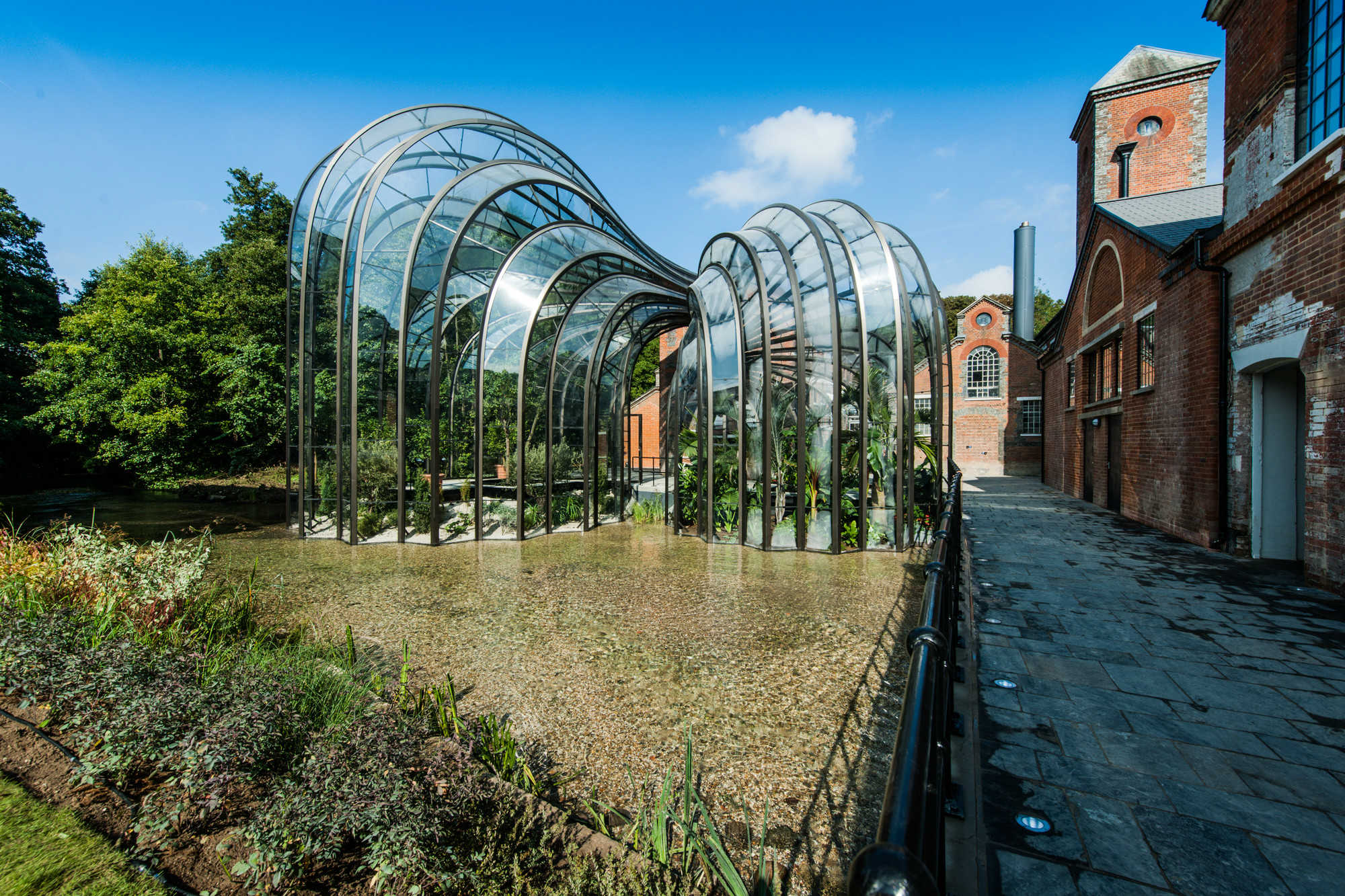 IGS Magazine-Bombay-Sapphire-Distillery-Heatherwick-Studio-Architecture-projects-5