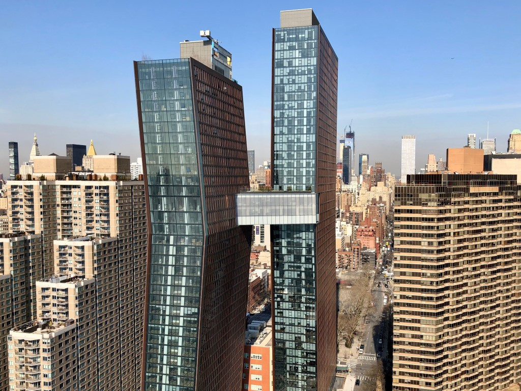 Glas Troesch-Skybridge ACB New York-01