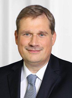 Herr-Dr-Heinricht