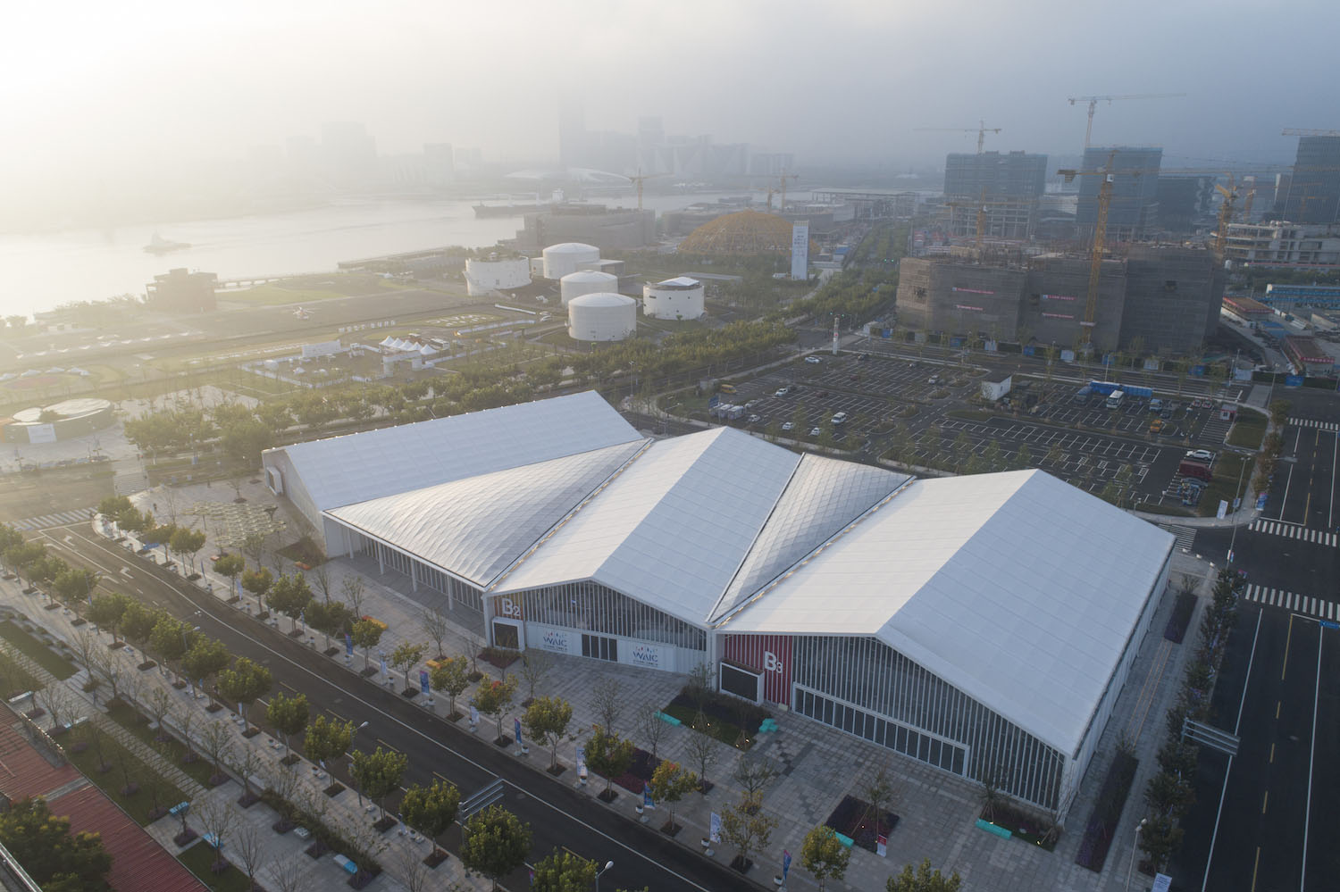 Venue B of Shanghai Westbund World Artificial Intelligence Conference -Archi-Union Architecture-IGS Magazine-2