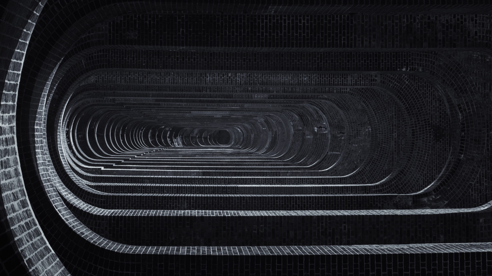 Project: The Ouse Valley viaduct in Sussex, UK by David MocattaPhotographer: Andrew Robertson