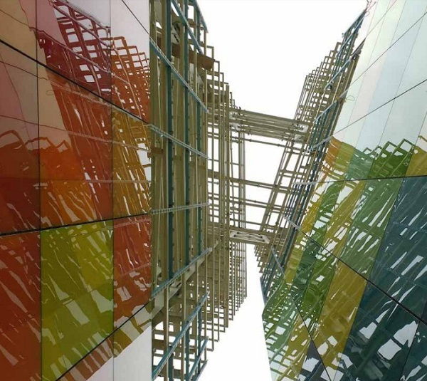 Multi-Colored Monument Clearly Reflects Local Culture and Industry - IGS Magazine -architecture - 5