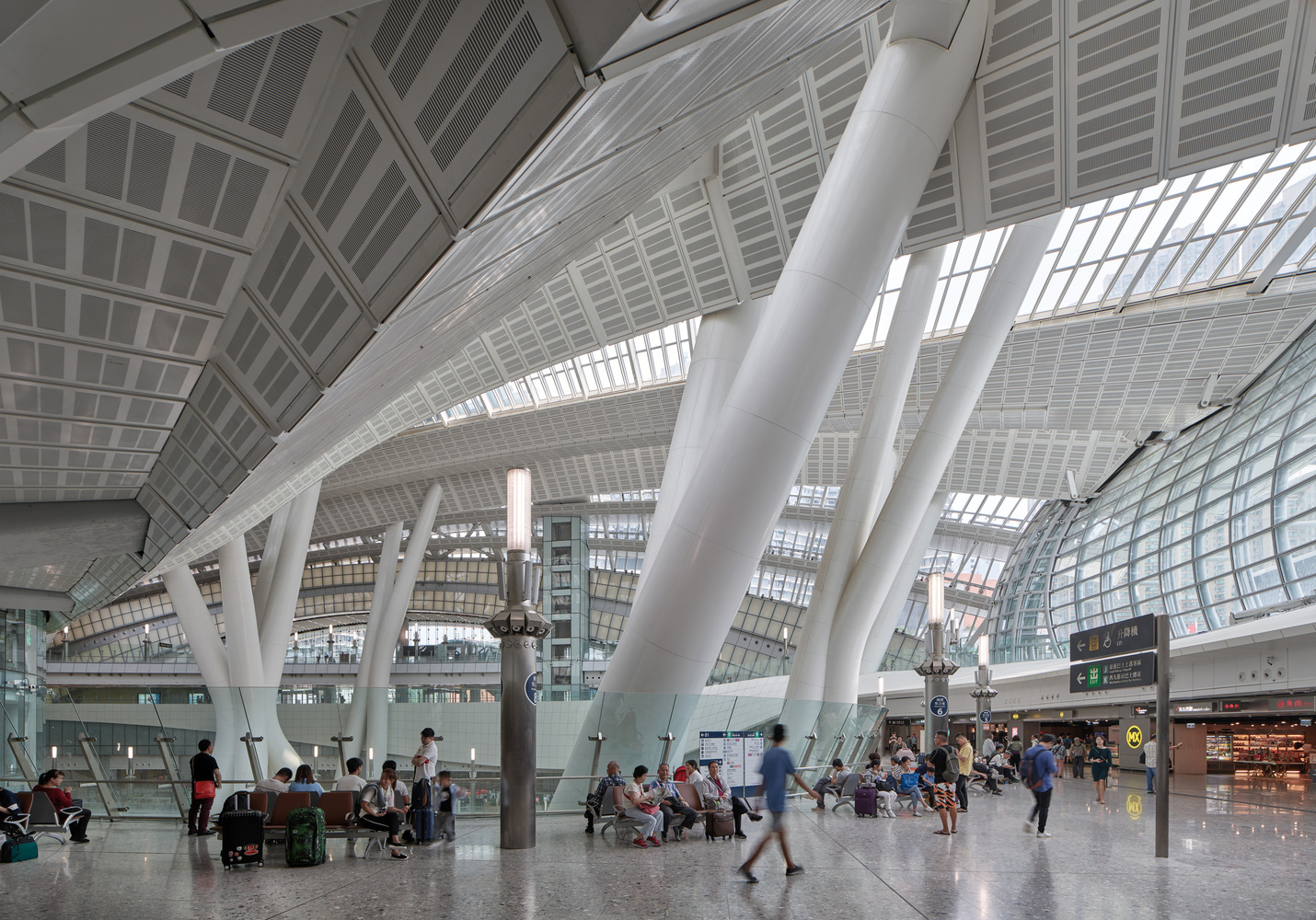 Hong_Kong_West_Kowloon_Station_by_Andrew_Bromberg_at_Aedas__Photo_by_Virgile_Bertrand_10
